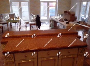 Столешница для кухни островная двухуровневая из искусственного камня Staron
